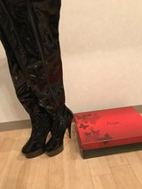 **New**  Women's Thigh High Boots  **Reduced** in Okinawa, Japan
