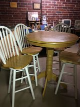 REDUCED Pub table and chairs in Warner Robins, Georgia