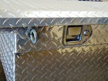 DIAMOND PLATE TOOL BOX (UWS) in Fort Bliss, Texas