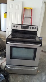 Frigidaire Electric Stove in Conroe, Texas