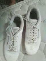 Size 8 white used shoes. in Rolla, Missouri