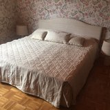 King Size Platform Bed + Two Matching Lamps in Heidelberg, GE