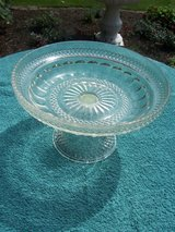 Beautiful glass bowl with attached glass stand in Mannheim, GE