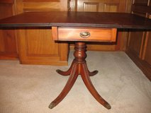 Duncan Phyfe-style Drop Leaf Table - circa 1940s in Kingwood, Texas
