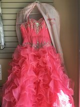 BEAUTIFUL QUINCEAÑERA DRESS - CORAL in Naperville, Illinois