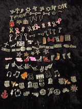mini charms (update) in Fort Campbell, Kentucky