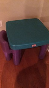 Little Tikes toddler table w/2 chairs in Byron, Georgia