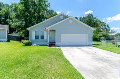 Well Maintained 3 Bed/2 Bath Home ~ 120 Waterfall Dr in Camp Lejeune, North Carolina