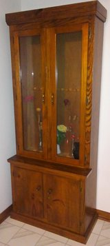 WOOD GUN CABINET, 8 SLOT, CUSTOM BUILT. in Mobile, Alabama