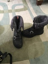 Apple Bottom Snow Boots in Spangdahlem, Germany