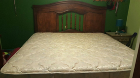 King size bed reduced in Columbus, Georgia
