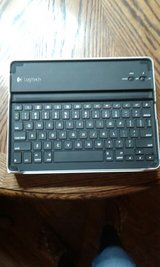 Ipad Keyboard and Case in Fort Leonard Wood, Missouri