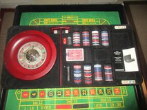 LARGE POKER AND ROULLETTE SET MOBILE CASE COOL in 29 Palms, California