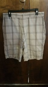 NWT sz 34 Men's Shorts in 29 Palms, California