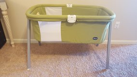 Chicco LullaGo Travel Crib/Bassinet in Fort Rucker, Alabama