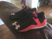 Under Armor Size 13 Youth Sport Shoes in Fort Leonard Wood, Missouri