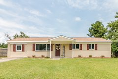 RENOVATED 4 BEDROOM IN JACKSONVILLE - NO CITY TAXES in Camp Lejeune, North Carolina