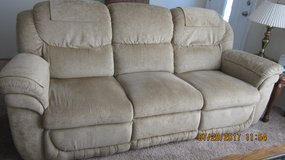 DOUBLE RECLINER COUCH in Vacaville, California