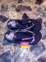 New Ladies Flip-flops Size 6-7 in DeRidder, Louisiana