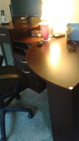 LAST WEEK TO BUY!  OFFICE DESK MOVING DISCOUNT! GREAT CONDITION! in Vacaville, California