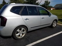 2007 Kia Rondo EX-ready for winter in Sugar Grove, Illinois