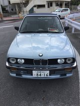 90'BMW 320i Cabriolet in Okinawa, Japan