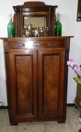 Beautiful Antique ( 1910-1920) Solid wood Chest with mirror in Wiesbaden, GE