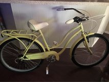 Schwinn 7 speed cruiser bike 26 in wheels in Fort Sam Houston, Texas