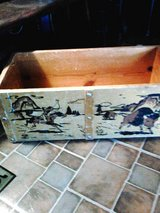 Antique toy box no top in Alamogordo, New Mexico