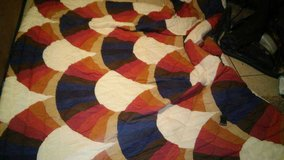 Excellent condition comforter in Yucca Valley, California