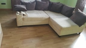 Small sectional couch in Grafenwoehr, GE