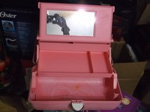 Pink Large Make Up Case with Mirror with Pull Out Drawers in Alamogordo, New Mexico