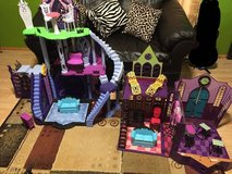 Monster High Freaky Fusion Catacombs and School Playset in New Lenox, Illinois