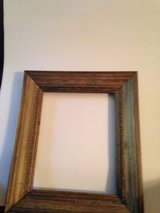 Case of 25 wood frames in Birmingham, Alabama