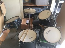 *******BARELY USED STARTER DRUM SET!!!!!**** in Camp Pendleton, California