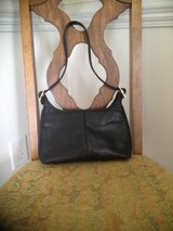 Giani Bernini Black Leather Purse in Camp Lejeune, North Carolina