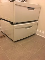 pedestal for washer/dryer in Glendale Heights, Illinois