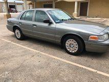 2004 Ford Crown Victoria $3500 Cold AC, Clean Title, Smooth ride.... in Pasadena, Texas