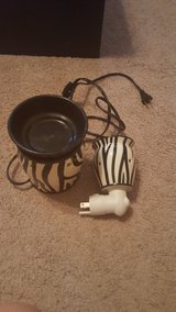Scentsy zebra full size warmer and wall plug in Spring, Texas