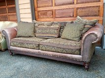 Gorgeous Leather Couch in Tacoma, Washington