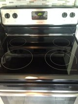 FRIGIDAIRE  Smooth top in Fort Campbell, Kentucky