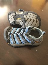 KEEN toddler size 9 in Travis AFB, California