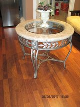 Beautiful Round Marble/Glass Coffee Table Solid Metal Bottom in Vacaville, California