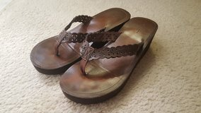 Arizona Brown Sandal Woman's 10 in St. Charles, Illinois