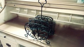 Wrought Iron Picnic Caddy in The Woodlands, Texas