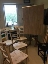 Solid Oak Table w/ 4 chairs in Okinawa, Japan