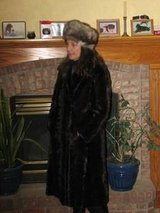 Mink coat with hat excellent shape in Stuttgart, GE