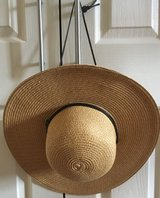 SUN HAT WITH DRAWSTRING, WORN ONCE in Lakenheath, UK