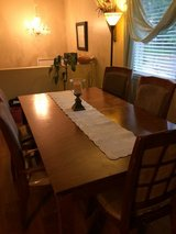 Kitchen table w/5 chairs in Colorado Springs, Colorado