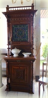 one of a kind Renaissance style hutch with stained glass in Baumholder, GE